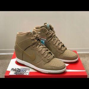 NEW Nike Dunk Sky Hi Essential Wedge Heel Shoes
